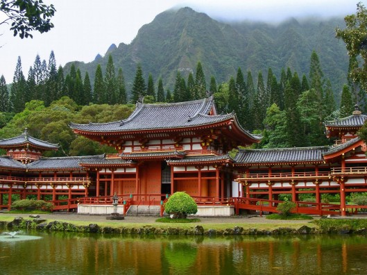 Byodo-in Temple in Kaneohe Hawaii, Japanese Temple Hawaii, Asian Temple from LOST