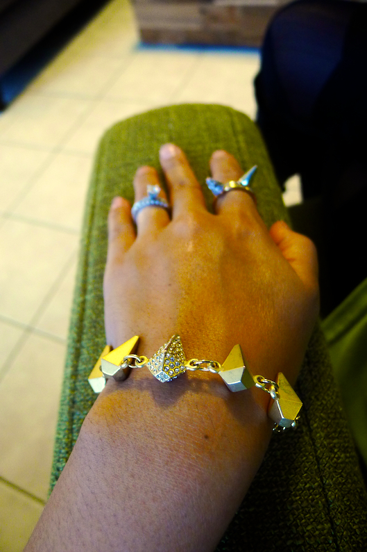 JewelMint Golden Goose Bracelet, Spike Rings, Armswag