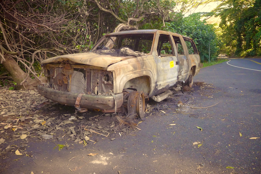 Road to Hana, Bombed out car