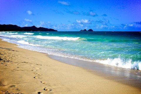 thereafterish, hawaii life, hawaii beaches, sherwoods, waimanalo bay beach, go beach