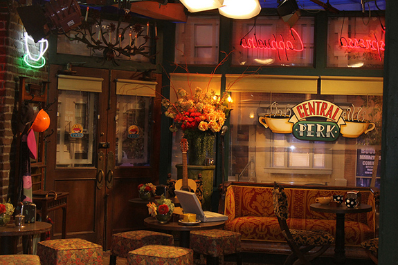 Mother Quotes Wallpapers Hd Central Perk Friends Waldorf Amsterdam