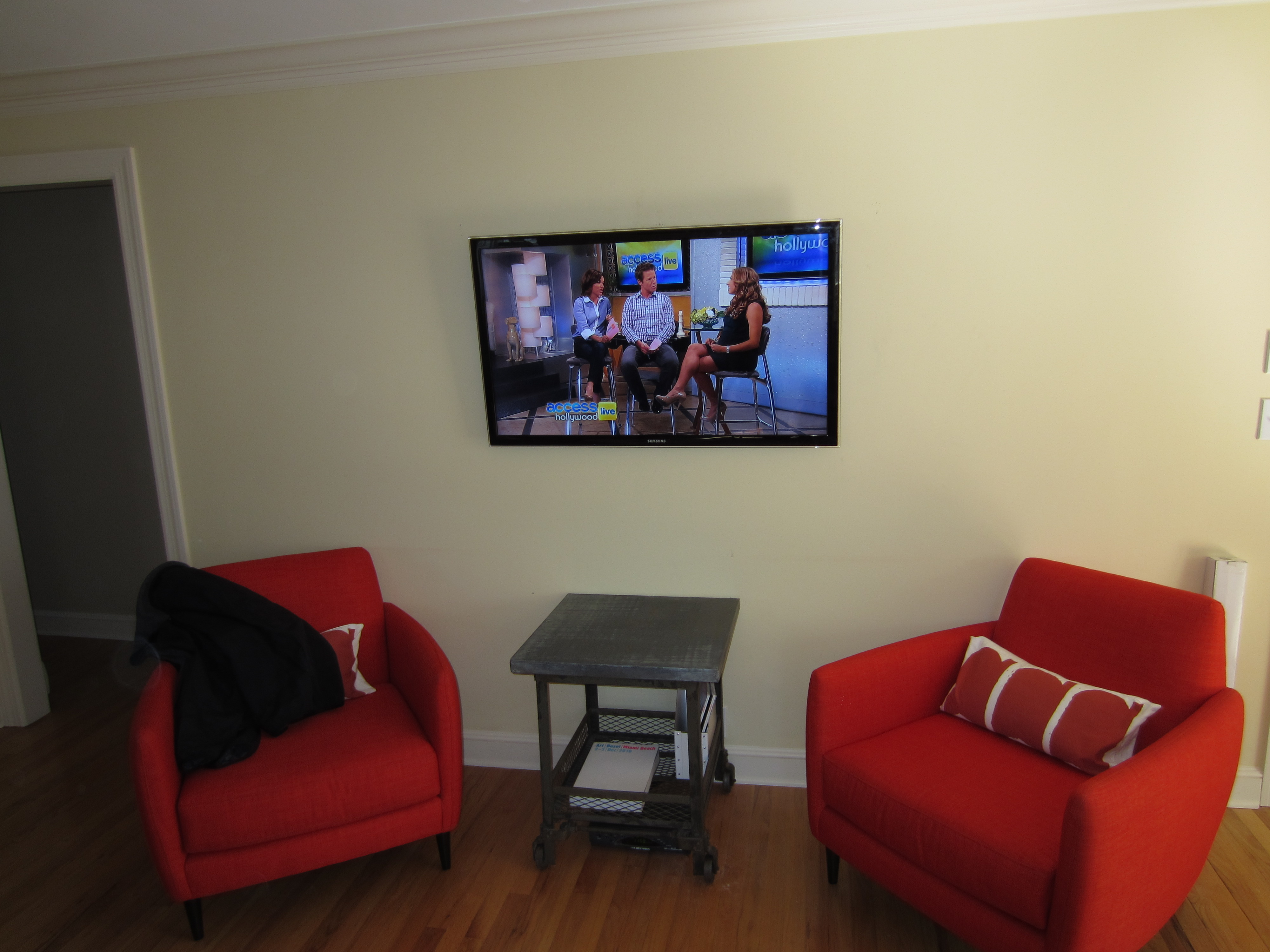 How To Put A Tv On A Wall Fairfield Ct Tv Install On Wall Hiding All Wires