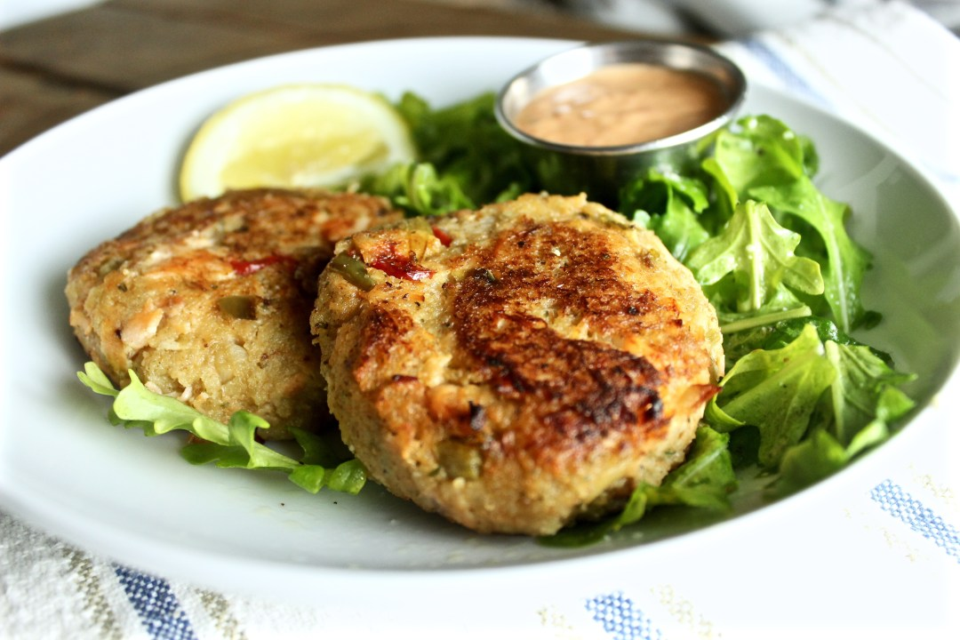 Salmon Cakes with Arugula Salad and Roasted Red Pepper Chipotle Sauce