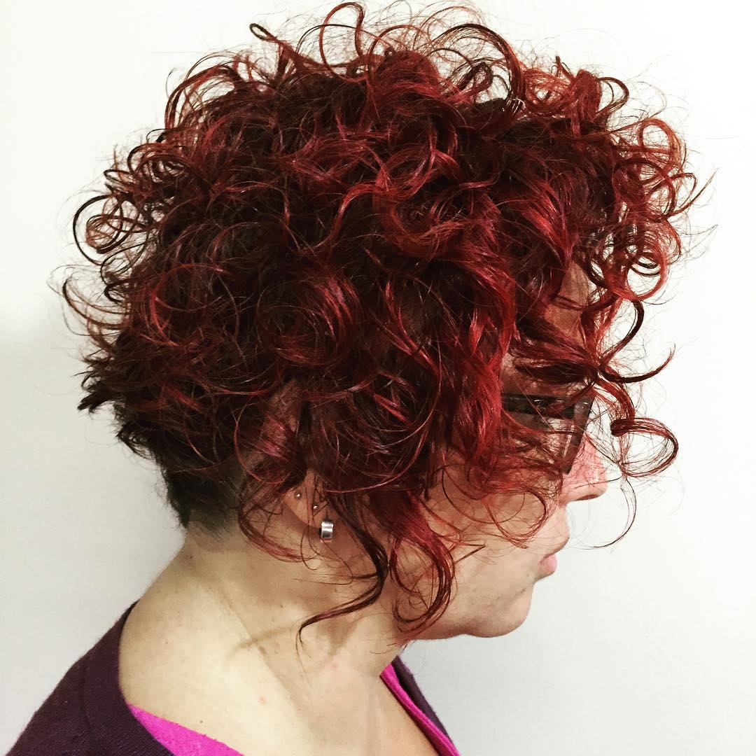 Short Curly Hairstyle For Mature Women