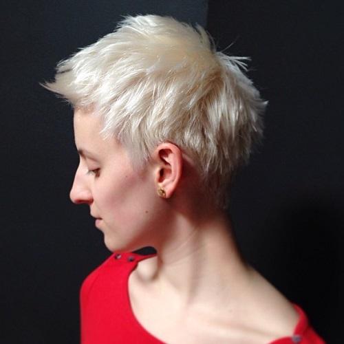 Chopped Blonde Haircut For Fine Hair