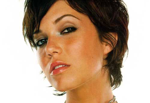 mandy moore short casual hairstyle
