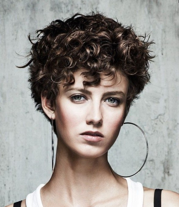short thick haircuts round face 2013 short hairstyle 2013