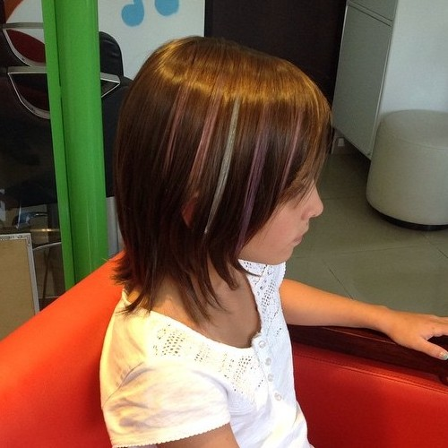 Girls' Layered Haircut With Highlights