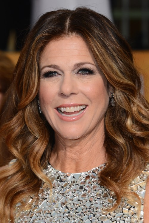 Rita Wilson curly hairstyle with highlights