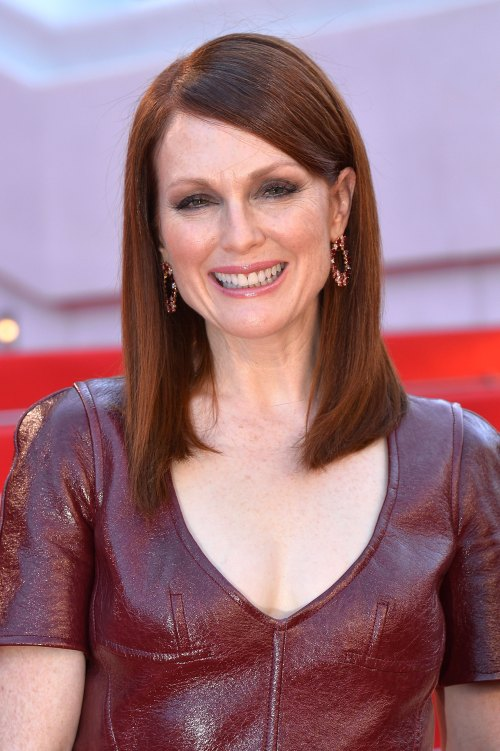 Julianne Moore medium hairstyle for women over 50