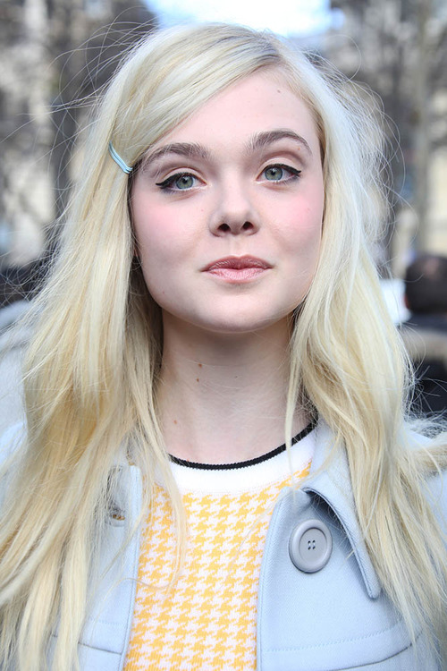 Elle Fanning layered hairstyle for fine hair
