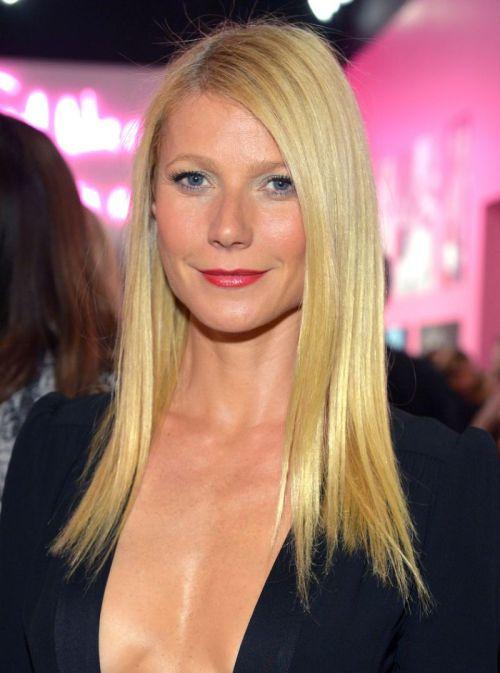 Gwyneth paltrow medium straight hairstyle
