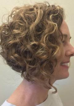 17-curly-angled-bob