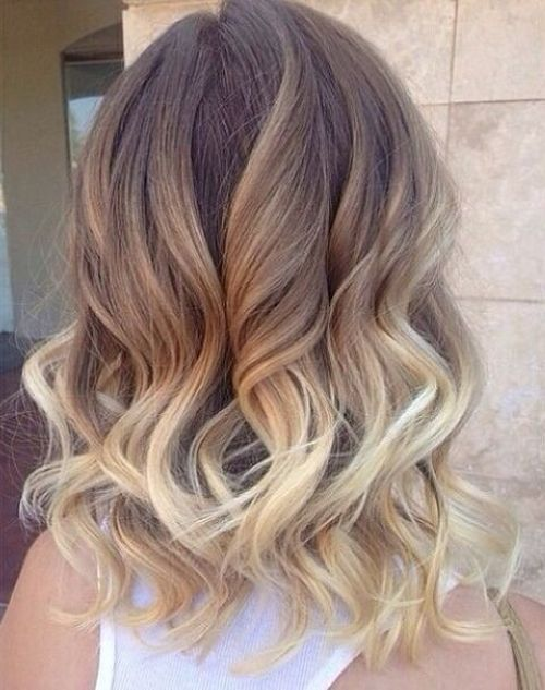 14 tri color graduated hairstyle for medium curly hair