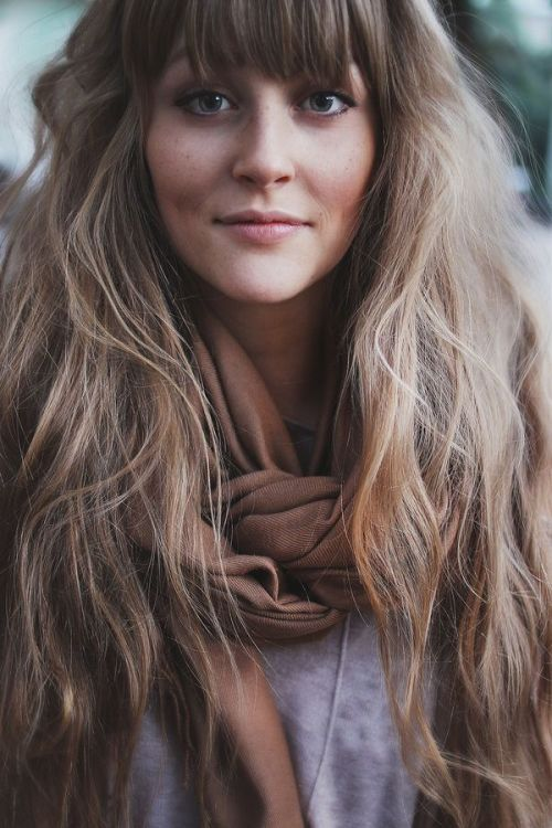 Hairstyles For Long Hair Long Bangs : wavy hairstyle for long hair with bangs