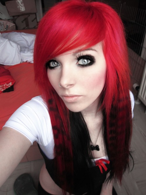 emo hairstyle for girls with coontails