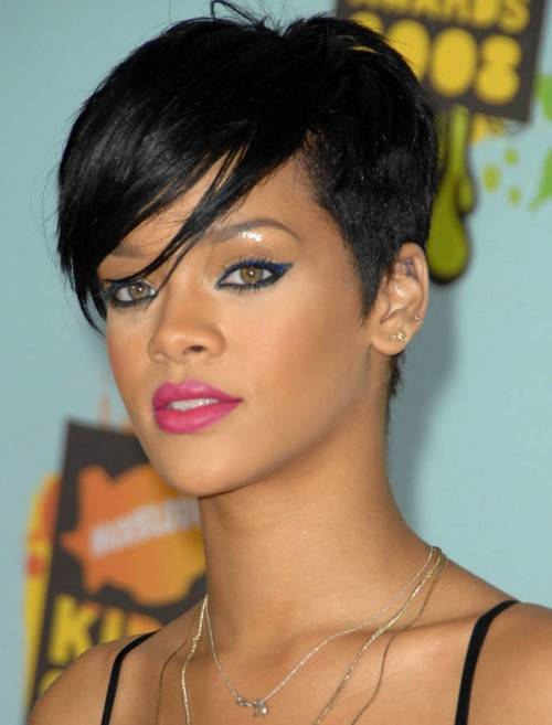 Rihanna short hairstyle for Christmas