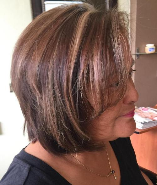 Older Women's Brown Bob With Highlights