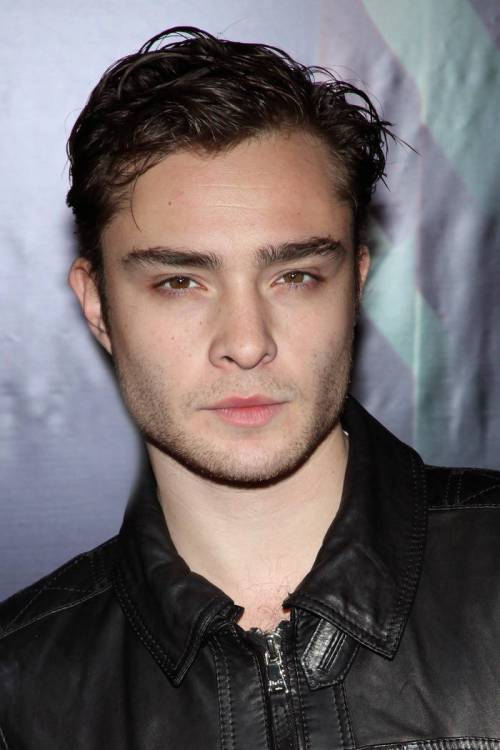 Ed Westwick short men's hairstyle for curly hair