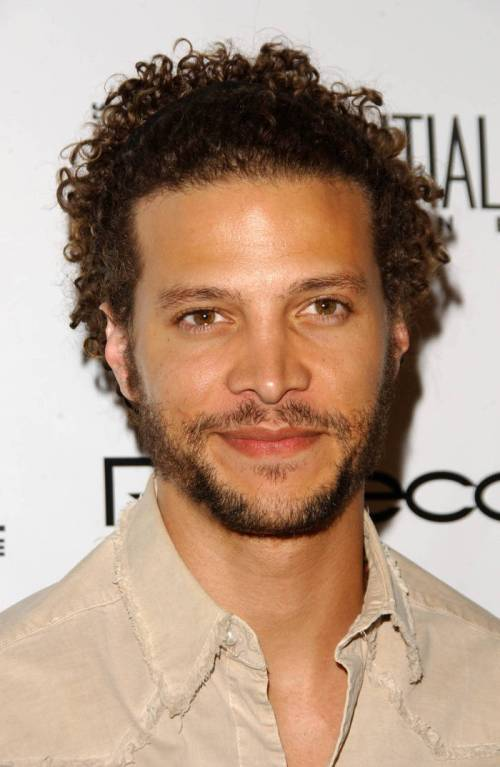 Justin Guarini short curly hairstyle for guys
