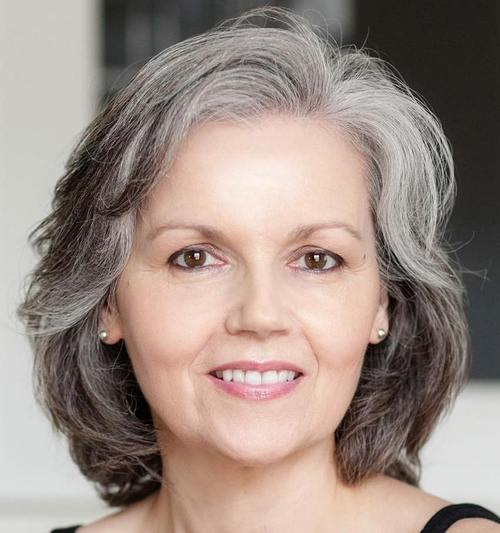medium hairstyle for gray hair in older women