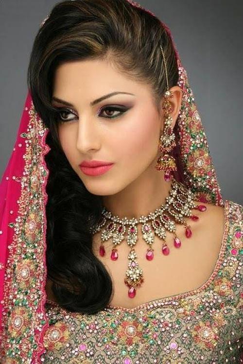 Hairstyles Indian Wedding Showy Bridal
