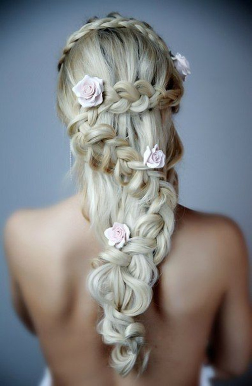 V-shaped hairstyle for brides