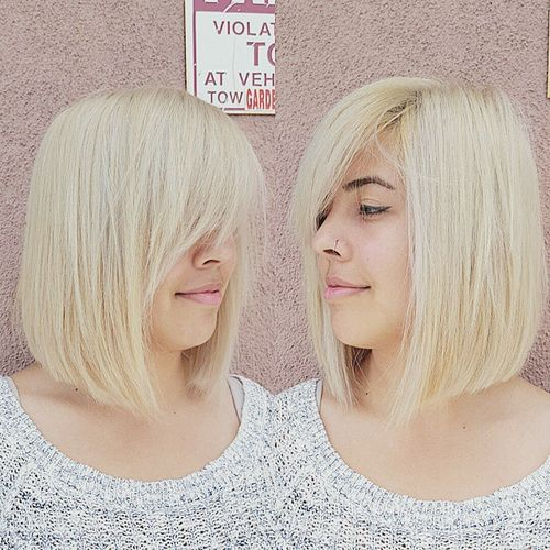 blonde collarbone bob with side bangs