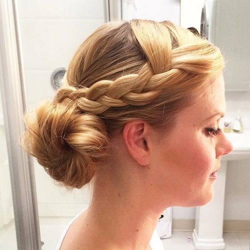 Casual Blonde Side Bun