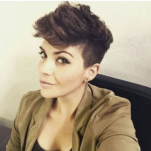 shaggy pixie hairstyle