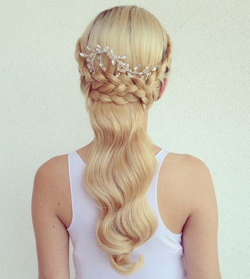 bridal blonde half up hairstyle with a braid