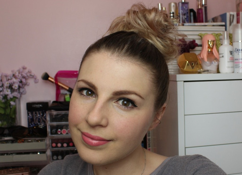 top bun updo for short hair