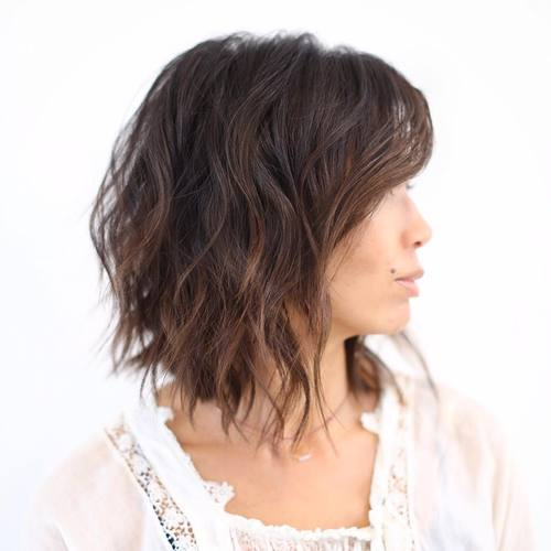 long choppy wavy bob with subtle highlights
