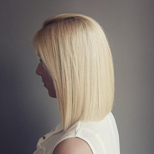 blunt blonde lob