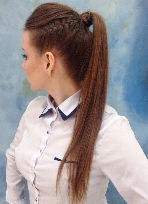 high ponytails woman