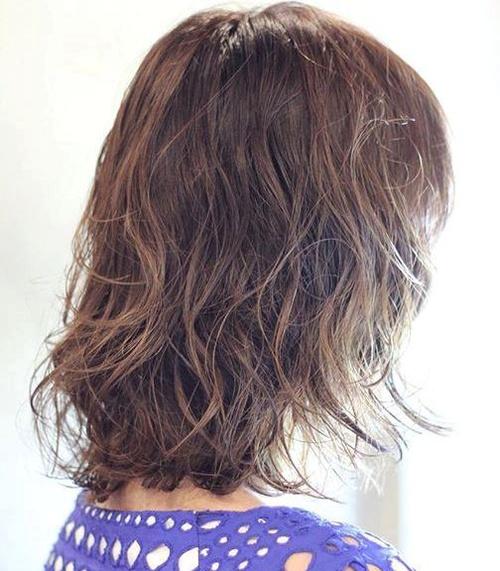 medium length wet hairstyle