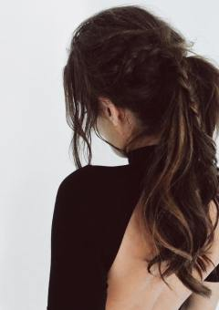 16-messy-ponytail-with-a-braid