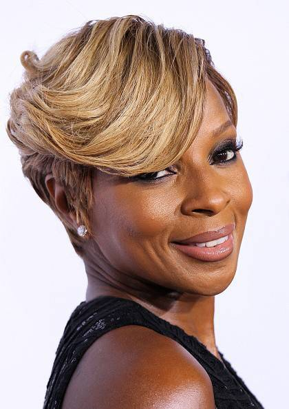 Mary J. Blige short black hairstyle