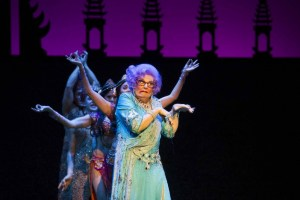 Dame Edna's Glorious Goodbye - The Farewell Tour, theSceneinTO, inTO, toronto theatre