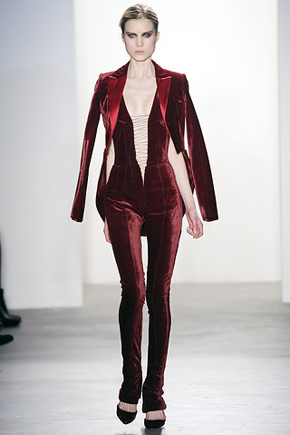 00290m2 FALL 2010: VELVET  KEY ITEMS   The Sche Report / Margaret Sche