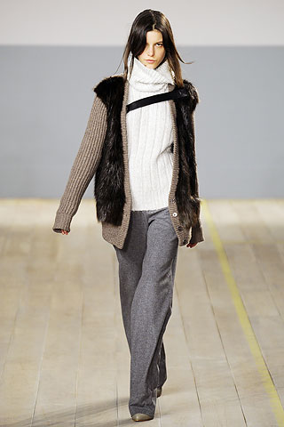 00240m NYC FASHION WEEK:  ONES TO WATCH   The Sche Report / Margaret Sche