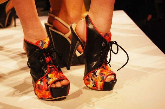 6a00e5508e95a988330133f433e757970b 640wi SPRING 2011 SHOE COLLABORATIONS TO COVET   The Sche Report / Margaret Sche