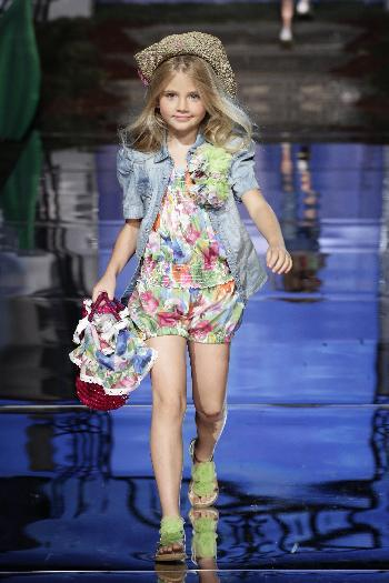 monnalisa0758 runway The Petite Parade:  Kids Fashion Week debuts in NYC   The Sche Report / Margaret Sche