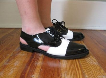 etsy bw slingback oxford 5 KEY ITEMS FOR FALL 2011: GET THE LOOK   The Sche Report / Margaret Sche