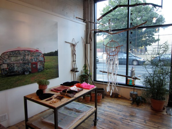 img 0106 RETAIL REVIEW:  BEAUTIFUL DREAMERS   The Sche Report / Margaret Sche