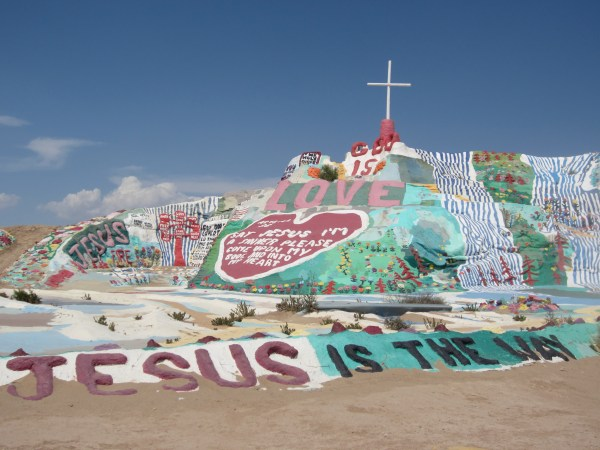 img 1587 SOUTHWEST PILGRIMAGE: SALTON SEA & SALVATION MOUNTAIN   The Sche Report / Margaret Sche