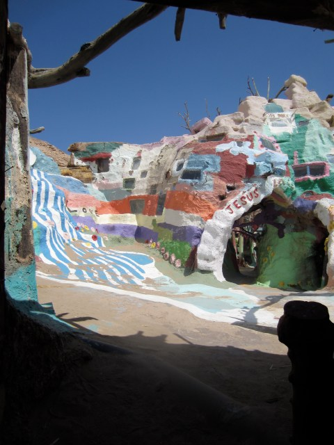 img 1590 SOUTHWEST PILGRIMAGE: SALTON SEA & SALVATION MOUNTAIN   The Sche Report / Margaret Sche