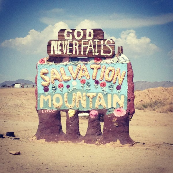 img 8190 SOUTHWEST PILGRIMAGE: SALTON SEA & SALVATION MOUNTAIN   The Sche Report / Margaret Sche