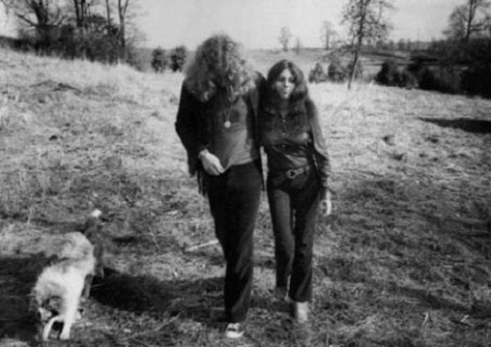 f8a51a42a00be15e79fa85adff844b24.1000x1000x1 Ramble On Led Zeppelin