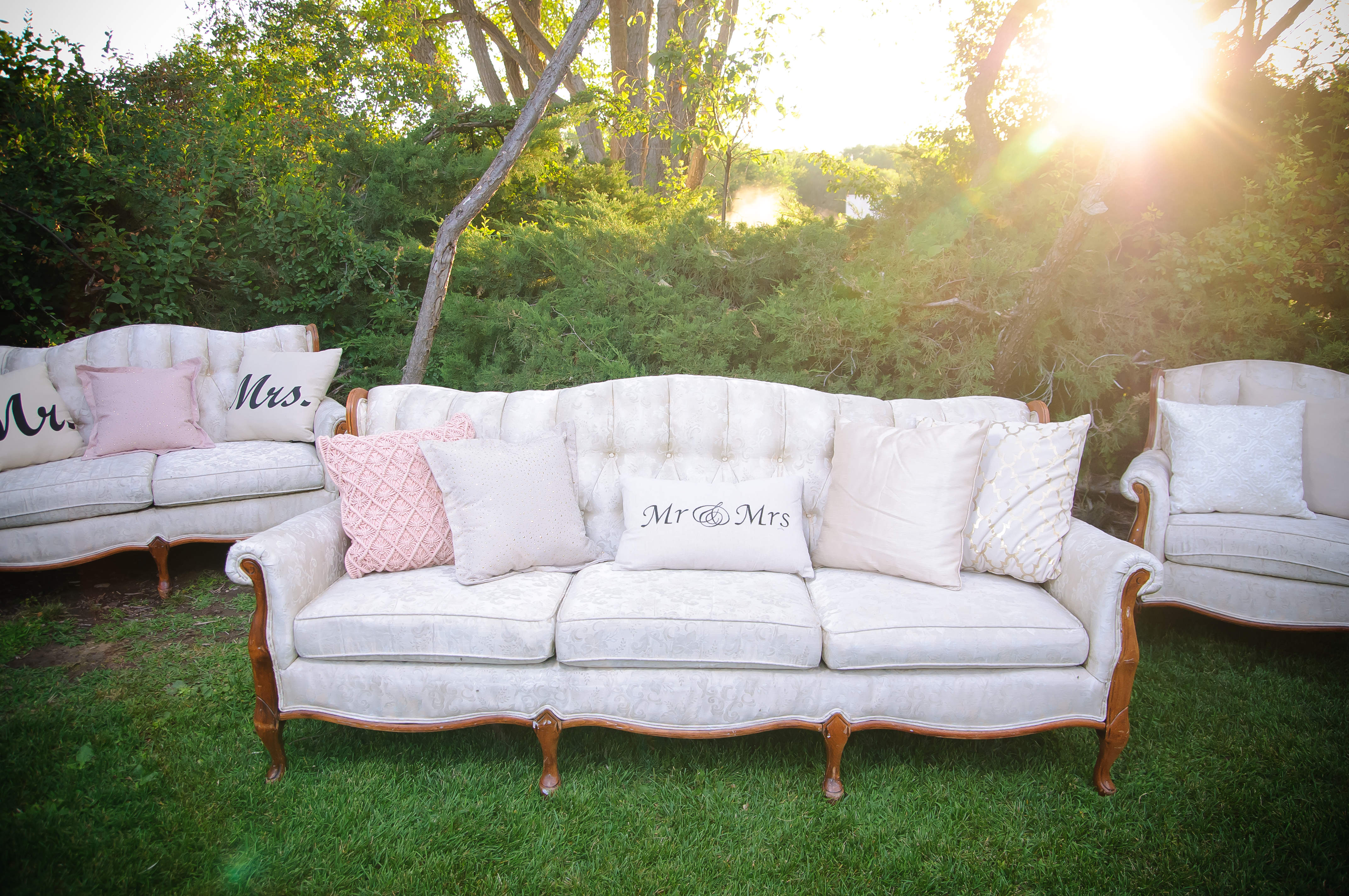 Couch Shabby Chic Furniture Shabby Chic Sisters